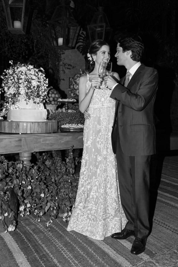 casamento-fazenda-vila-rica-vestido-de-noiva-elie-saab-26