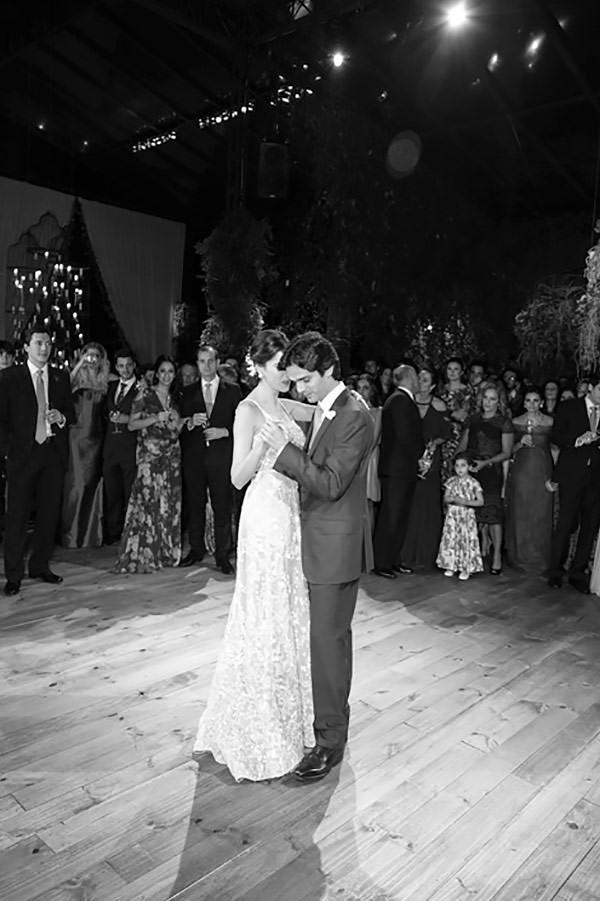 casamento-fazenda-vila-rica-vestido-de-noiva-elie-saab-27