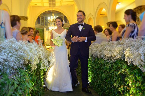 Casamento-hora-do-buque-fotos-Mel-Cleber-casa-petra-decoracao-1-18-project-vestido-de-noiva-andre-betio-15