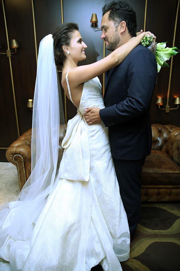 Casamento-hora-do-buque-fotos-Mel-Cleber-casa-petra-decoracao-1-18-project-vestido-de-noiva-andre-betio-25