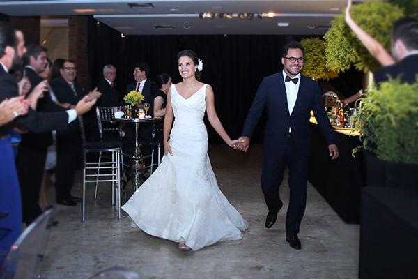 Casamento-hora-do-buque-fotos-Mel-Cleber-casa-petra-decoracao-1-18-project-vestido-de-noiva-andre-betio-26