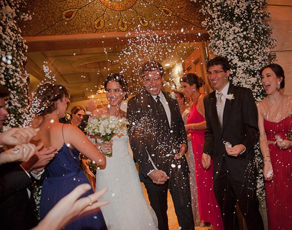 casamento-vestido-noiva-wanda-borges-foto-flavia-vitoria-saida-noivos
