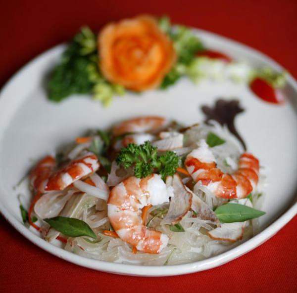 lua-de-mel-teresa-perez-Restaurante_Ly-Club