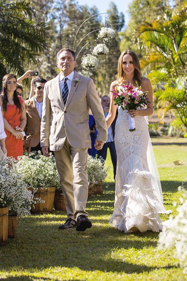 casamento-gabriela-ionescu-omar-pucci-vestido-casaamarela-7