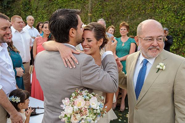 casamento-praia-papelaria-bia-coutinho-vestido-noiva-cecilia-echenique-12
