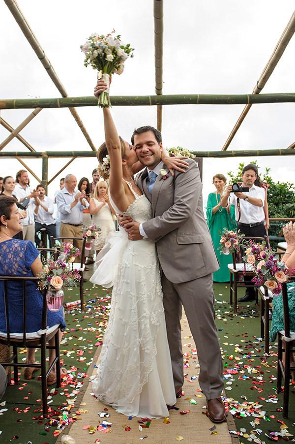 casamento-praia-papelaria-bia-coutinho-vestido-noiva-cecilia-echenique-16
