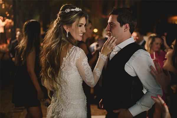 casamento-fazenda-villa-rica-vestido-noiva-danielle-benicio-tiara-miguel-alcade-30