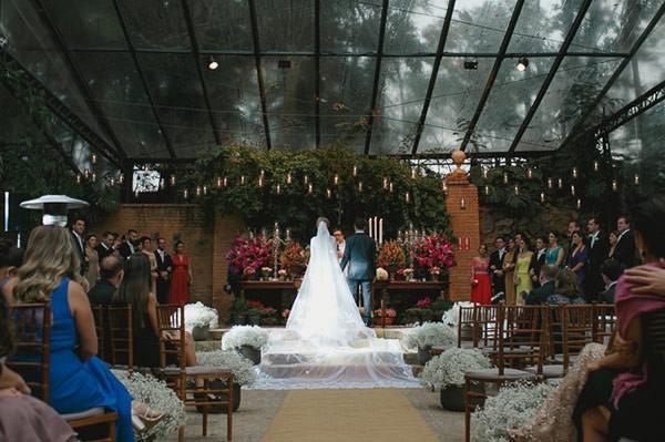 casamento-fazenda-villa-rica-vestido-noiva-danielle-benicio-tiara-miguel-alcade-7