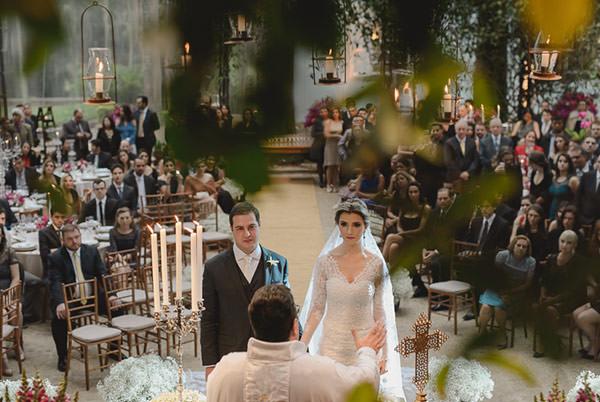 casamento-fazenda-villa-rica-vestido-noiva-danielle-benicio-tiara-miguel-alcade-8