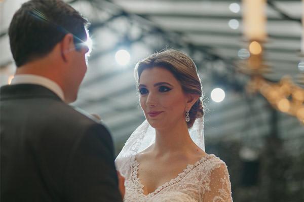 casamento-fazenda-villa-rica-vestido-noiva-danielle-benicio-tiara-miguel-alcade-9