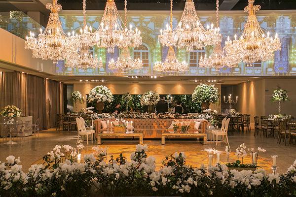 casamento-fotos-anna-quast-ricky-arruda-casa-petra-decoracao-1-18-project-assessoria-toda-de-branco-17
