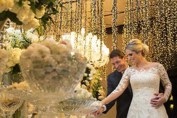 casamento-fotos-anna-quast-ricky-arruda-casa-petra-decoracao-1-18-project-assessoria-toda-de-branco-25