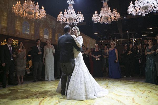 casamento-fotos-anna-quast-ricky-arruda-casa-petra-decoracao-1-18-project-assessoria-toda-de-branco-27
