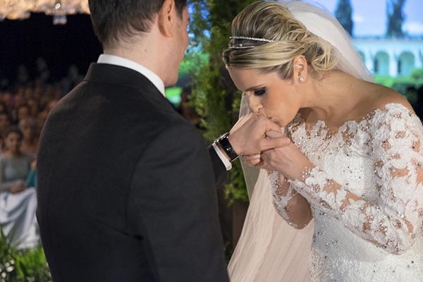 casamento-fotos-anna-quast-ricky-arruda-casa-petra-decoracao-1-18-project-assessoria-toda-de-branco-7