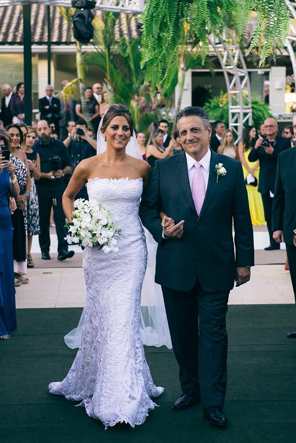 casamento-juliana-piccolotto-diogo-mattar-vestido-andre-betio-2