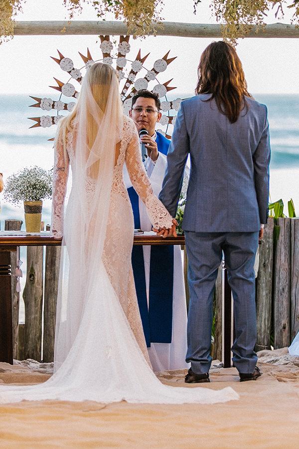 casamento-praia-luai-cabanas-ana-carolina-favano-leandro-rocha-gee-nx-zero-8