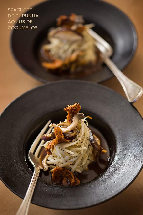 spaghetti-de-pupunha-jus-de-cogumelos