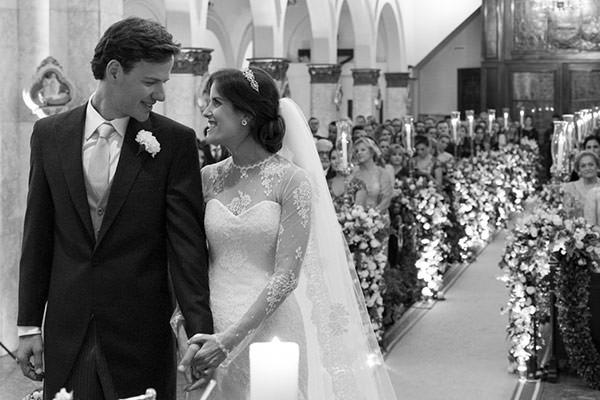 casamento-classico-03-foto-anna-quast-ricky-arruda-vestido-de-noiva-renda-demi-queiroz