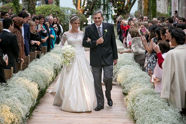 casamento-fazenda-vila-rica-petit-decoracoes-vestido-noiva-maison-kas-4