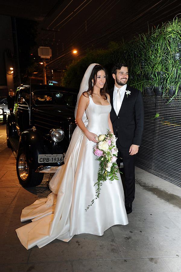 casamento-decoracao-contemporaneo-8076-vestido-noiva-wanda-borges-11-1