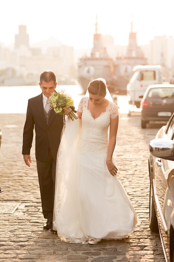 casamento-ilha-fiscal-rio-de-janeiro-vestido-noiva-mariana-kuenerz-01