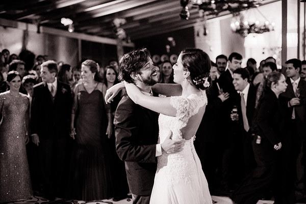 casamento-ilha-fiscal-rio-de-janeiro-vestido-noiva-mariana-kuenerz-09