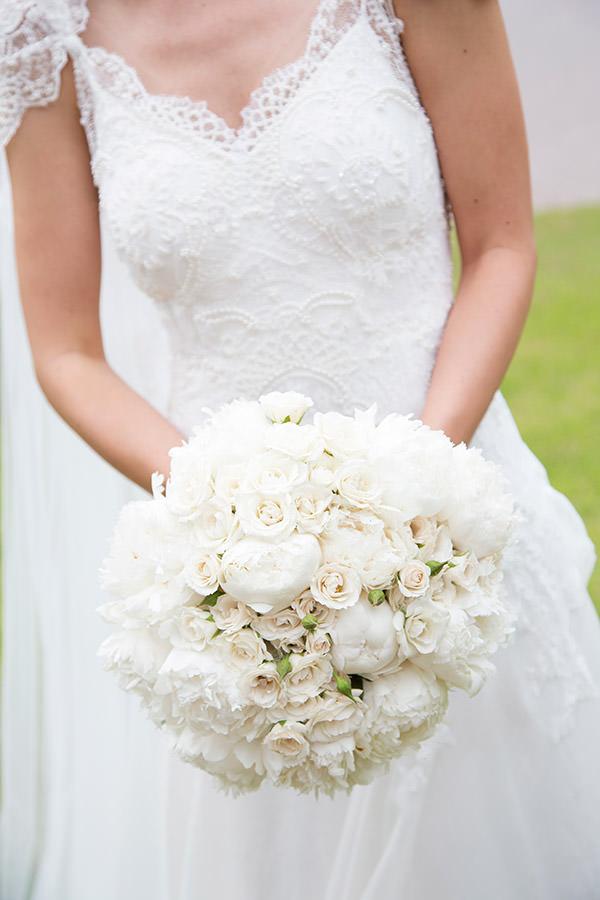 03-casamento-fazenda-lageado-fotografia-flavia-vitoria-vestido-de-noiva-emannuelle-junqueira-bouquet