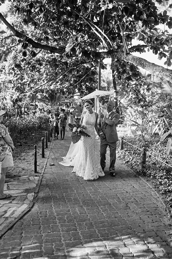 03-casamento-praia-bahia-estilista-nanna-martinez-whitehall