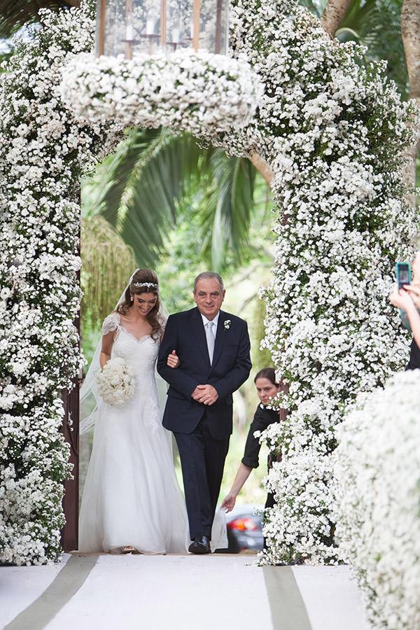 07-casamento-fazenda-lageado-fotografia-flavia-vitoria-entrada-noiva-cerimonia