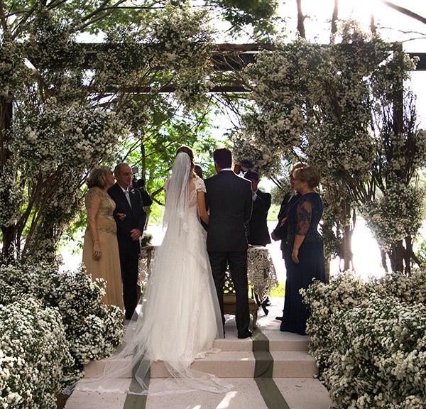 11-casamento-fazenda-lageado-fotografia-flavia-vitoria-entrada-noiva-cerimonia