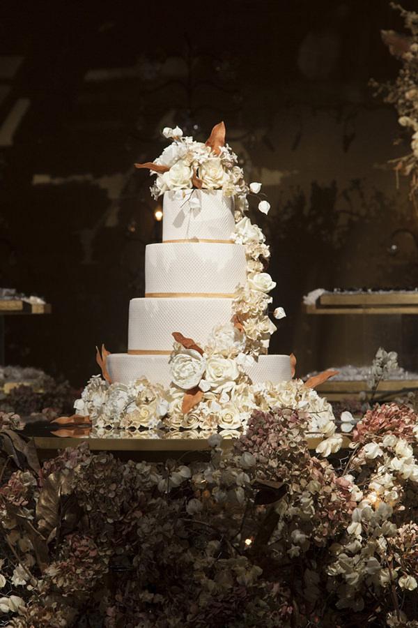 26-casamento-fernanda-haidar-festa-casa-fasano-bolo-the-king-cake