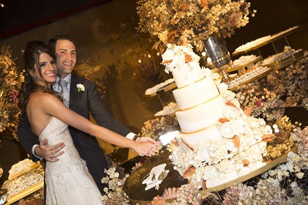 29-casamento-fernanda-haidar-festa-casa-fasano-corte-bolo