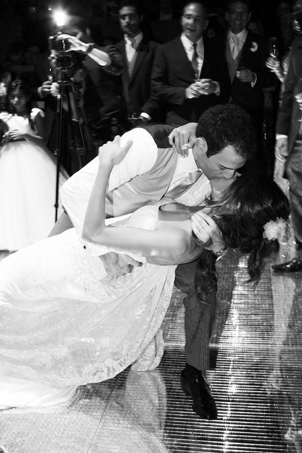 33-casamento-fernanda-haidar-festa-casa-fasano-primeira-danca-noivos