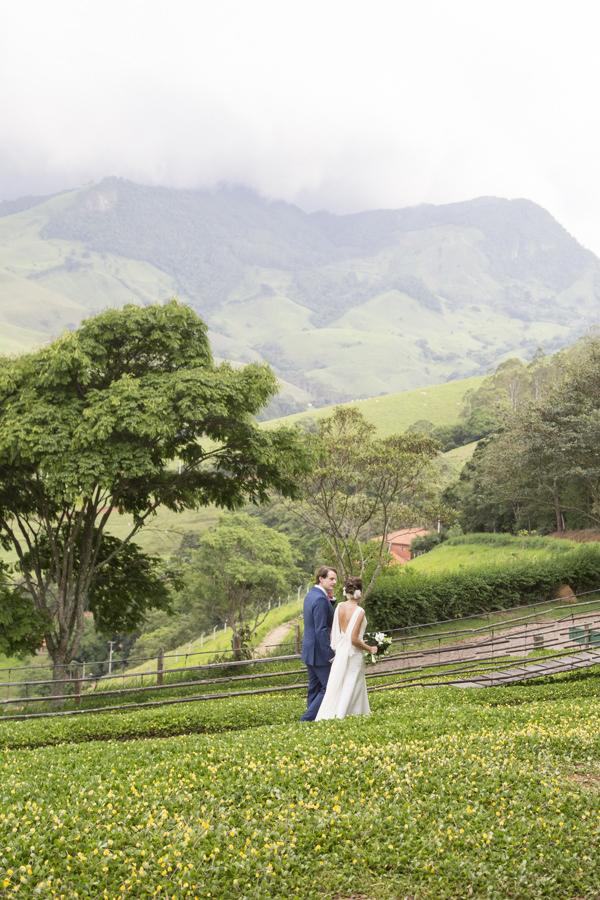 casamento-campo-interior-sp-fotos-anna-quast-ricky-arruda-vestido-noiva-nanna-martinez-whitehall-12