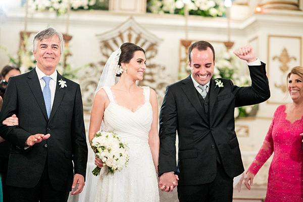 casamento-joana-e-rodolpho-vestido-mariana-kuernez-10