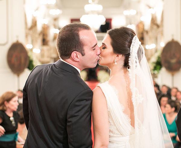 casamento-joana-e-rodolpho-vestido-mariana-kuernez-9
