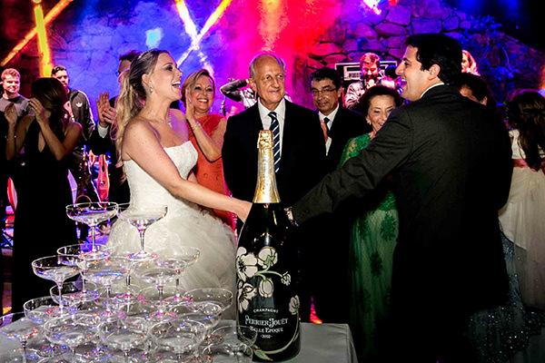 casamento-vila-rica-vestido-noiva-whitehall-patricia-graicar-32