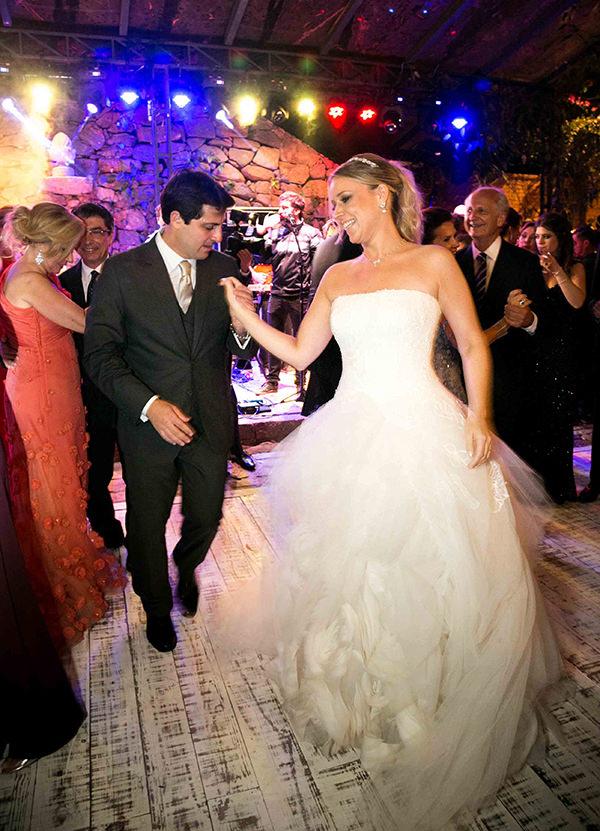 casamento-vila-rica-vestido-noiva-whitehall-patricia-graicar-33