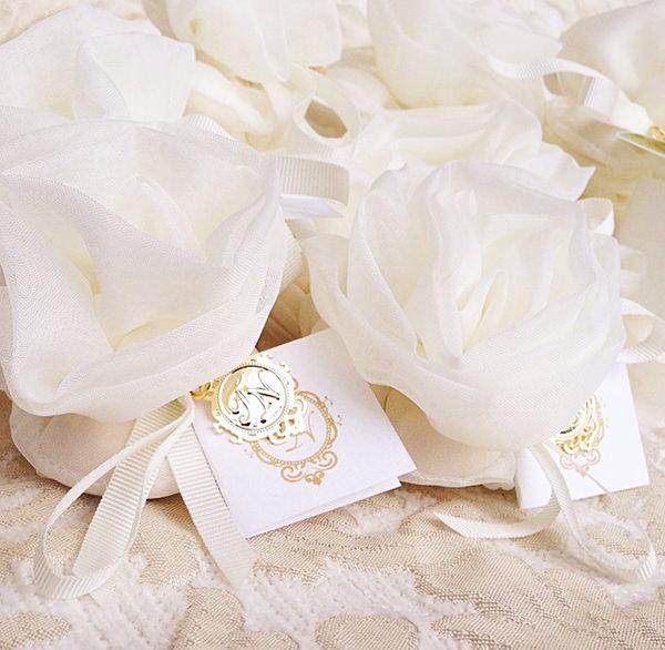 lembrancinha-de-casamento-amendoas-confeitadas-caixinha-de-prata-arroz-de-festa-personaliza