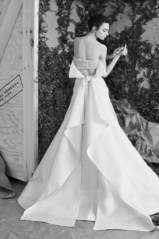 vestido-de-noiva-carolina-herrera-colecao-spring-2017-ny-bridal-week-11