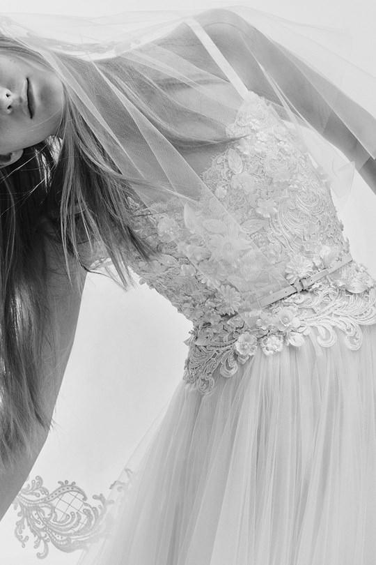 vestido-de-noiva-elie-saab-spring-2017-ny-bridal-week-18
