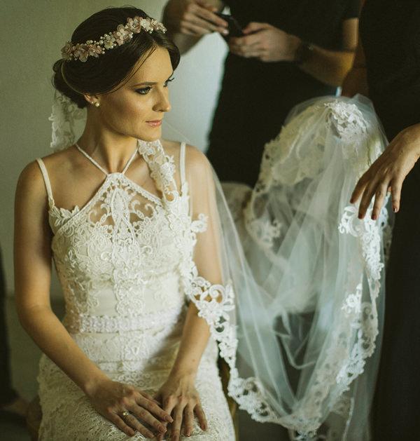 1-casamento-na-praia-casamarela-vestido-yolan-cris
