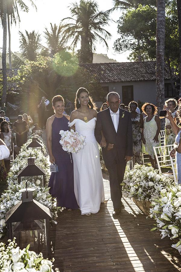 12-casamento-na-praia-trancoso-flavia-vitoria-assessoria-boutique-de-tres-natalia-e-ronaldo