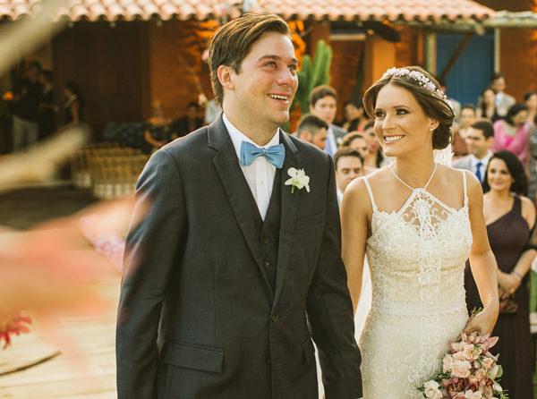 15-casamento-na-praia-casamarela-vestido-yolan-cris