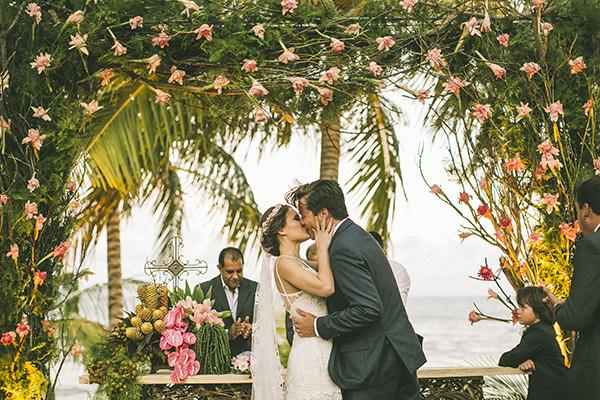 16-casamento-na-praia-casamarela-vestido-yolan-cris