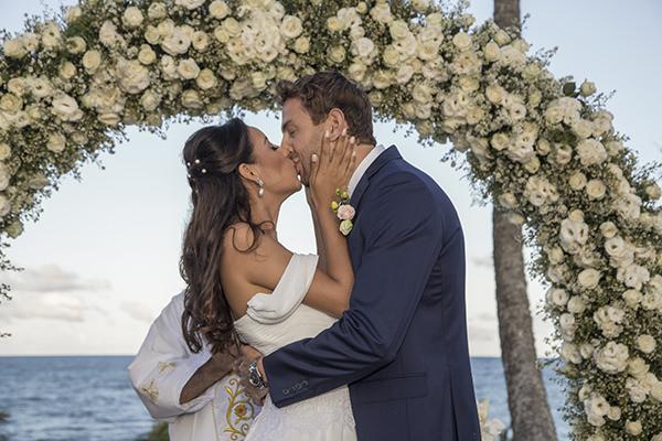 17-casamento-na-praia-trancoso-flavia-vitoria-assessoria-boutique-de-tres-natalia-e-ronaldo-acessorio miguel-alcade