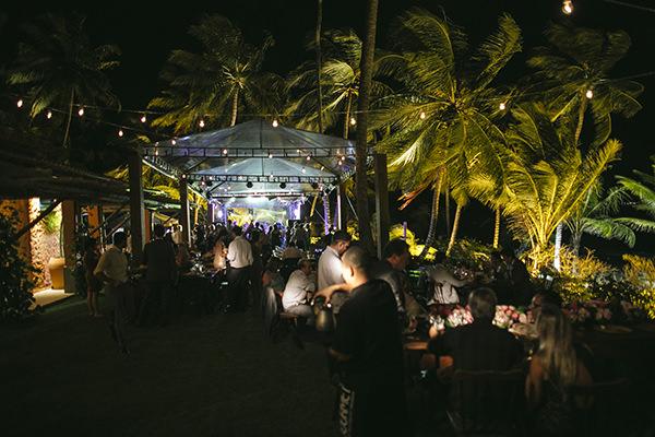 18-casamento-na-praia-casamarela-vestido-yolan-cris