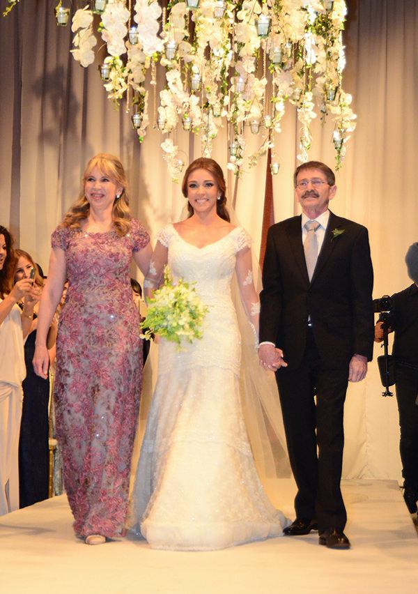 4-casamento-isabela-e-sebastian-papabubble-mel-e-cleber-vestido-de-noiva-graciella-starling