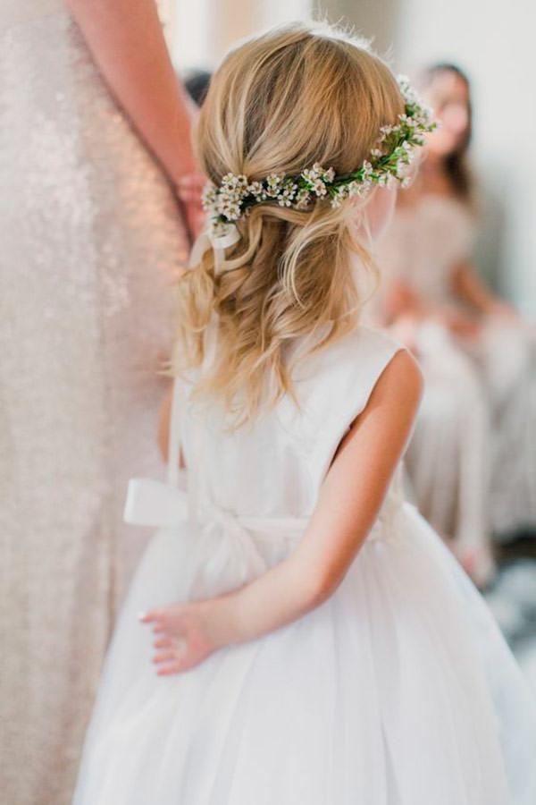 guirlanda-de-flores-daminha-branco-flor-de-cera-casamento
