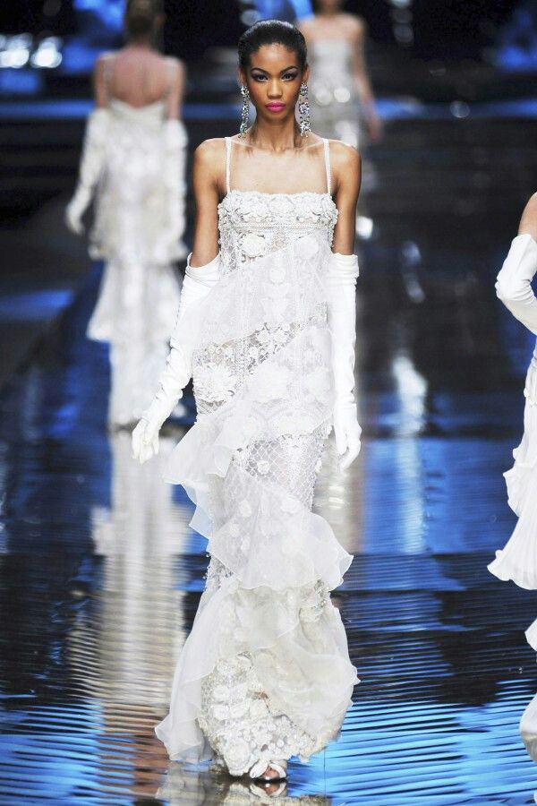 vestidos-brancos-chanel-iman-valentino